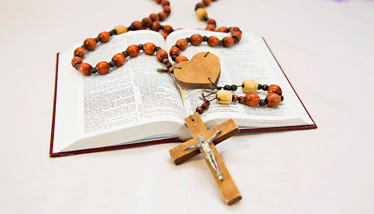 Rosary and Bible-Clinton